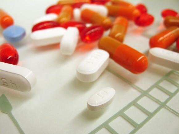 Медикаментозное лечение проводится под наблюдением врача