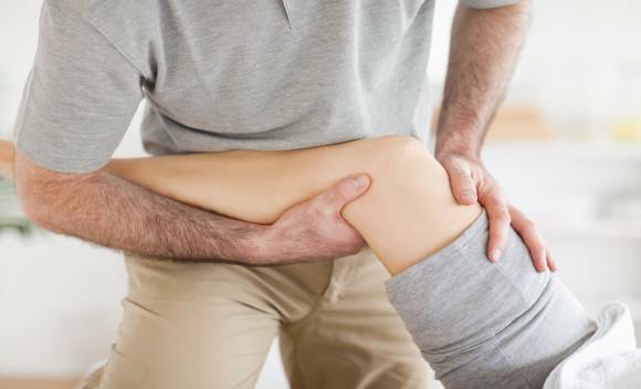 Профилактикой болезней суставов должна стать лечебная гимнастика, массаж