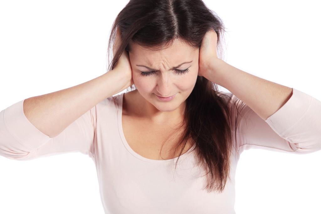 Шум в голове: причины появления и возможное лечение