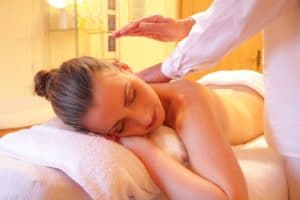 остеохондроз лечение массажем